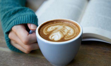 Könyv és kávé